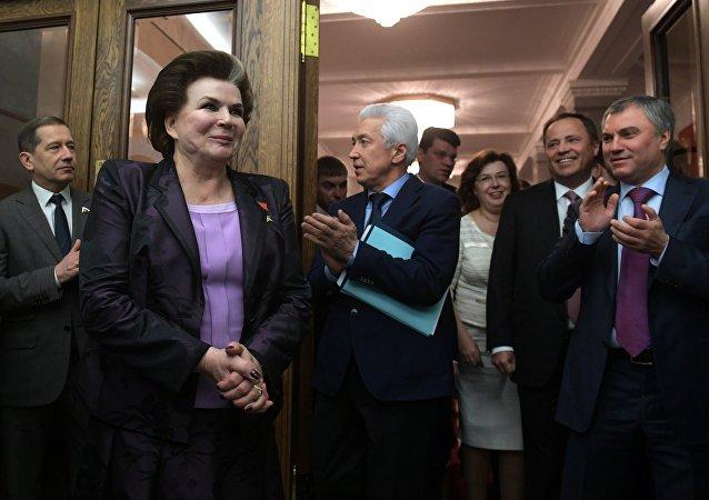 俄首位女航天員主題展在倫敦開幕 捷列什科娃親臨大受歡迎
