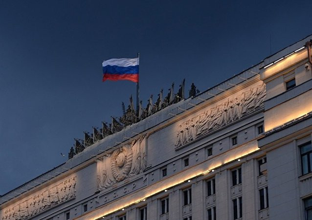 俄国防部:俄军人察看印度巴比纳训练场地形