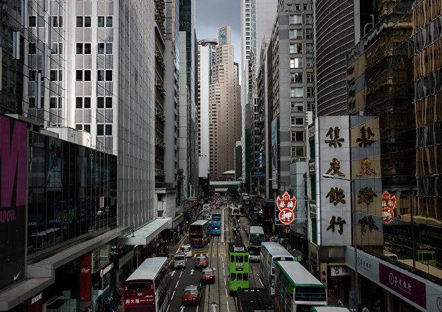 港媒调查显示香港每七人就有一位百万富翁