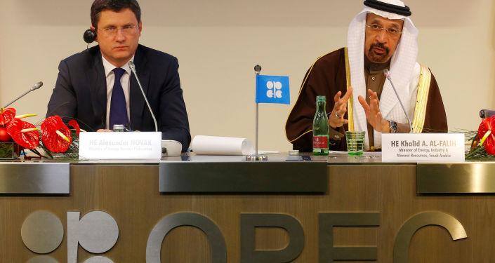 俄能源部長:歐佩克與非歐佩克產油國8月份超額完成協議129%