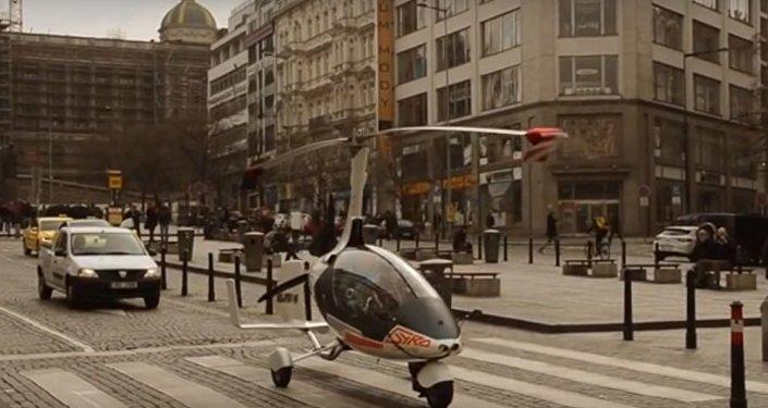 """捷克发明家已获得""""飞车""""驾照"""