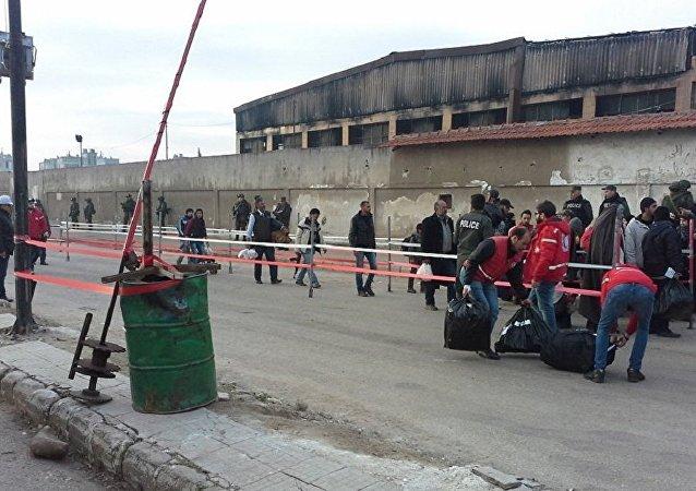 霍姆斯撤离武装分子第三阶段 约2000人叙利亚那里