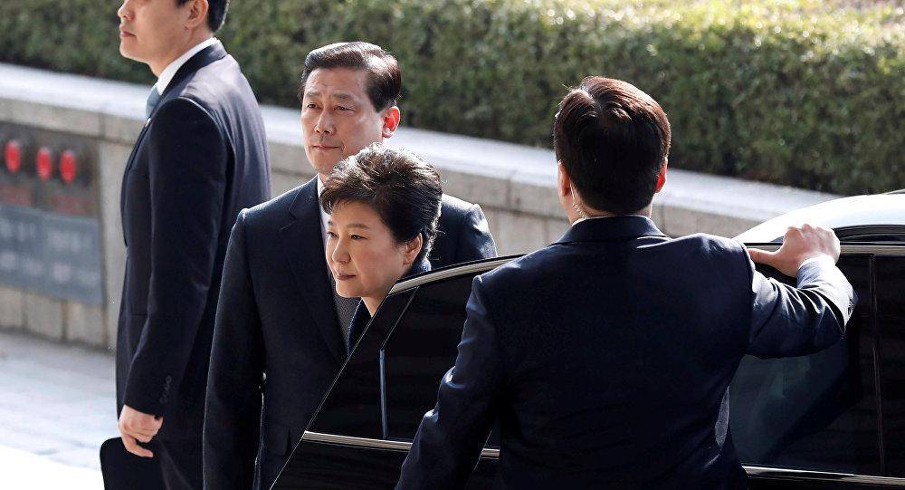 对韩国前总统朴槿惠的审判可能在星期二进行