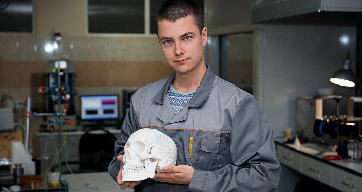 俄科学家研制出可替换受损骨骼的独特植入物