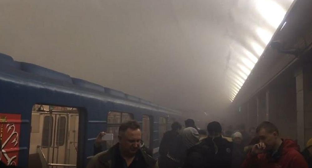 俄总统新闻秘书:圣彼得堡地铁爆炸已向普京汇报