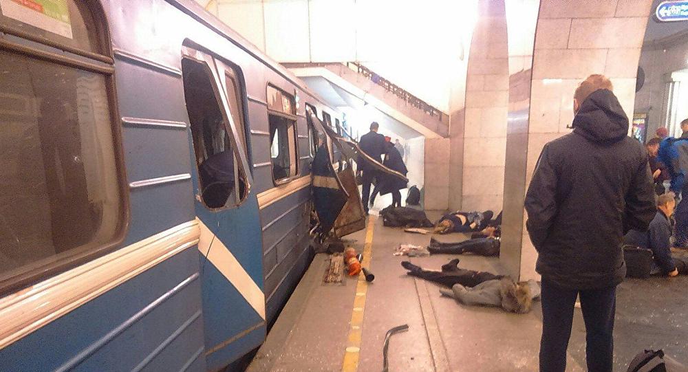 普京向圣彼得堡地铁爆炸遇难者亲属表示慰问