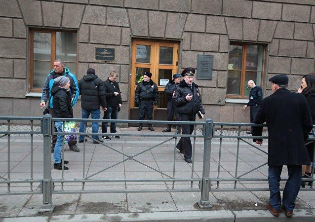 圣彼得堡地铁站再次关闭期间未发现爆炸物
