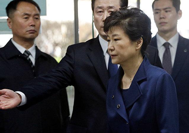 韩国前总统首次预审中全面否认自己有罪