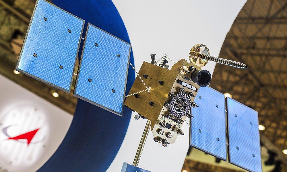 格洛纳斯卫星导航系统、GPS全球定位系统、中国北斗卫星导航系统或者欧洲伽利略导航系统建造的方式都是让全体卫星借助于自身的卫星群、借助于每方的导航系统,完全能够保证解决军事任务。也就是说,俄罗斯和中国的军人在这方面互相独立。