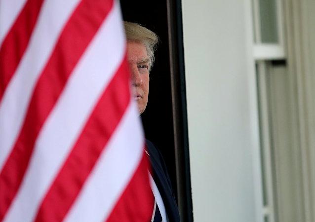 媒體:美國遇難水兵家屬2個月後才收到特朗普慰問信