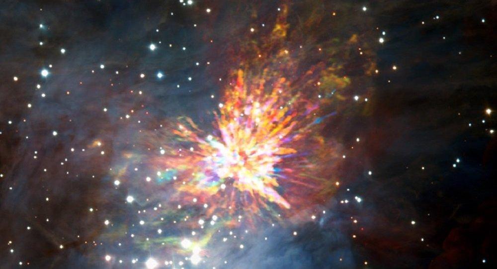 """哈勃望远镜获得了""""太空新生巨婴""""的照片"""