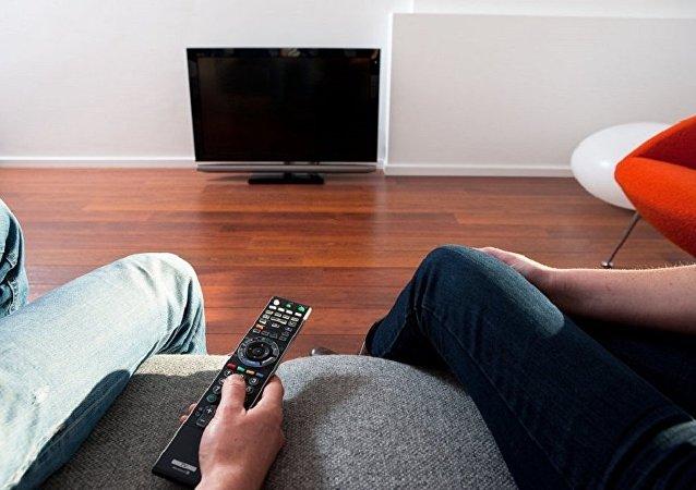 研究:俄羅斯人看電視越來越少而上網越來越多