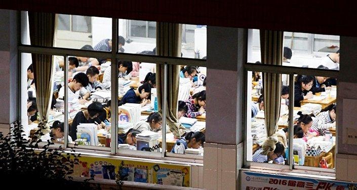 努力為中國學生減負