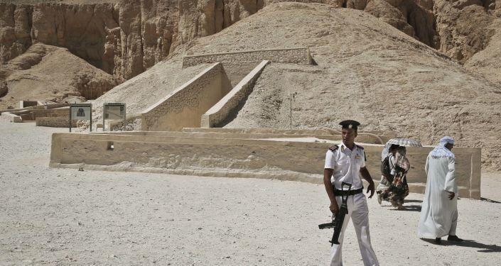 考古学家在埃及找到了地球上最古老的啤酒厂废墟