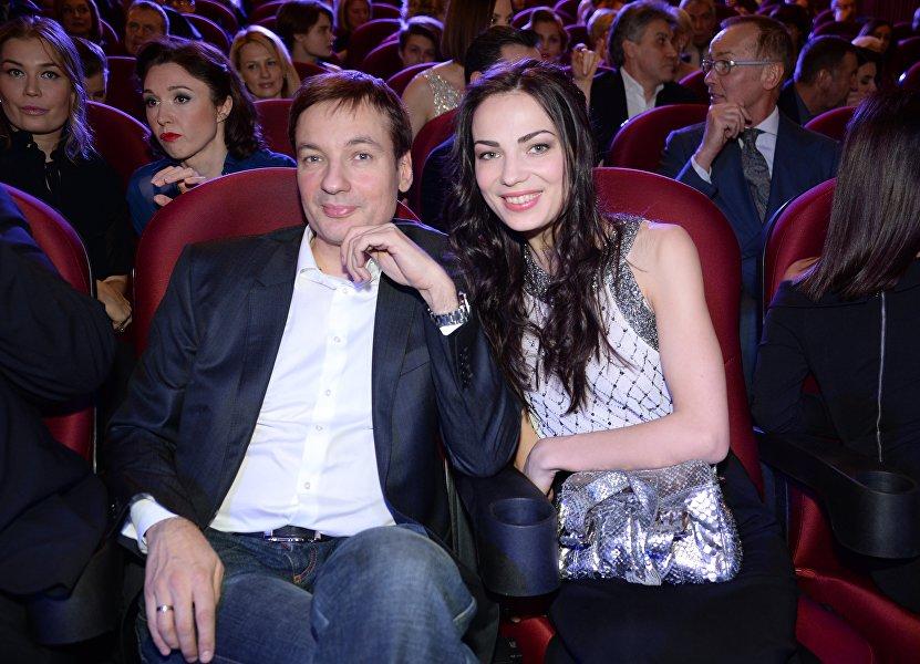 萨纳耶夫与妻子
