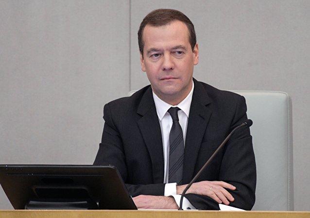 消息人士:俄总理将出席巴勒莫利比亚问题会议