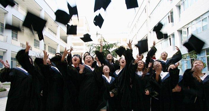 中国留学生越来越倾向于回国寻找工作
