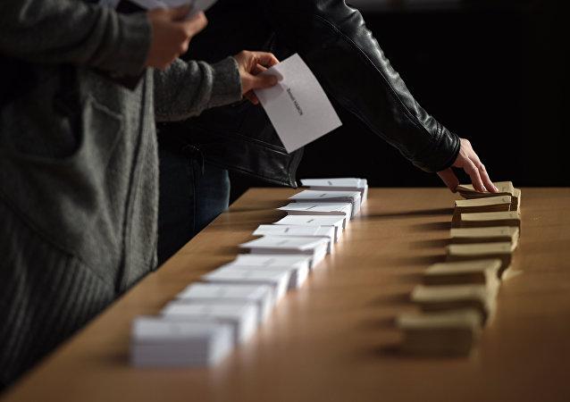 民調:勒龐與菲永或進入法國總統選舉第二輪投票