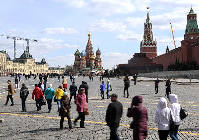 2018年前8个月莫斯科人月平均工资增长9.4%达1240美元