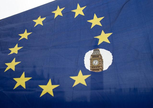 英国政府报告:英国脱欧15年后GDP将较不脱欧低3.9%