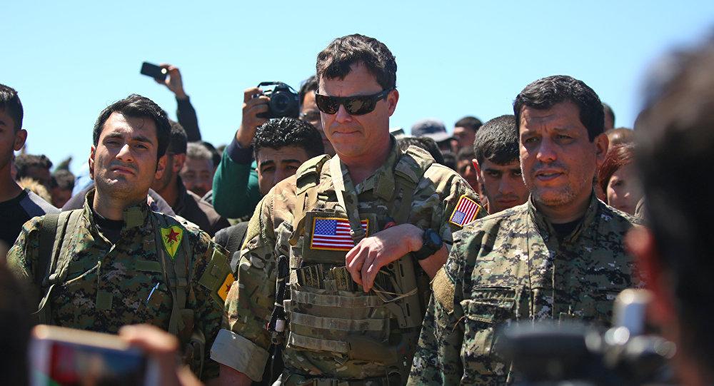 美国军人和叙库尔德人