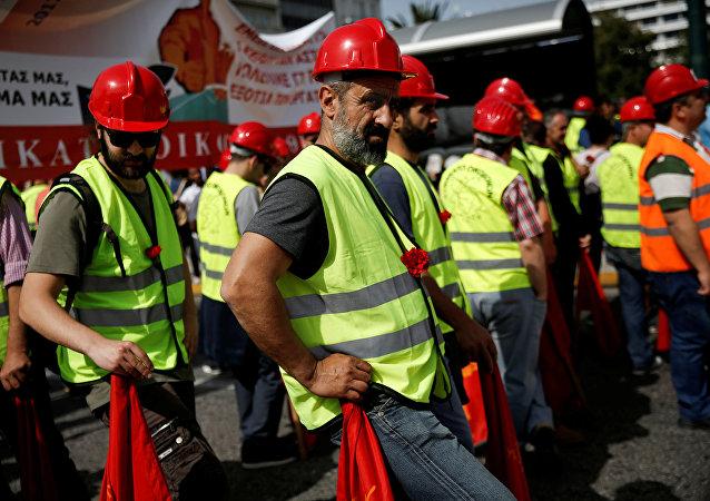 希腊共产党阻止北约部队进入该国