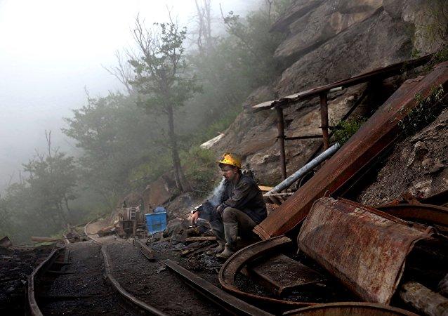 媒體:伊朗煤礦爆炸遇難人數升至21人