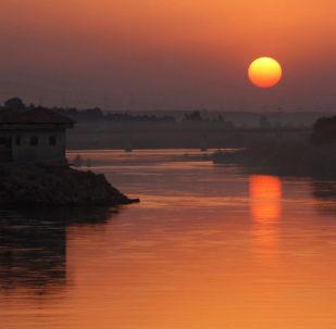 拉卡,幼发拉底河