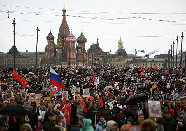 民调: 过半俄罗斯人计划参加胜利日庆祝活动