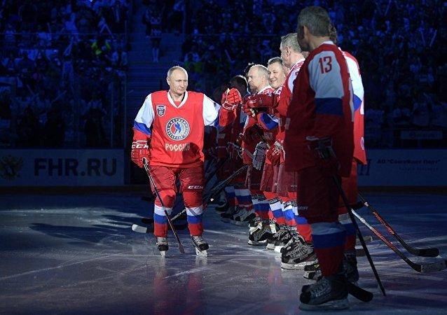 普京接受俄冰球名将打球邀请