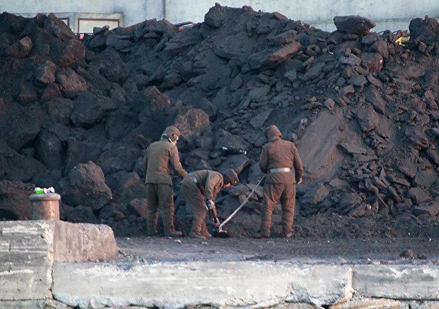 美國務卿呼籲阻止向朝鮮走私石油和煤炭