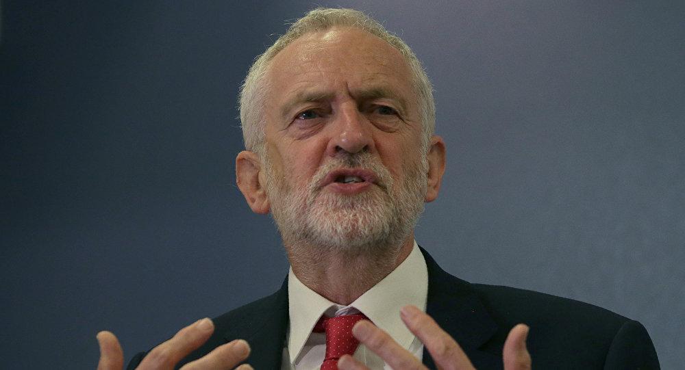 英国工党领袖杰里米·科尔宾