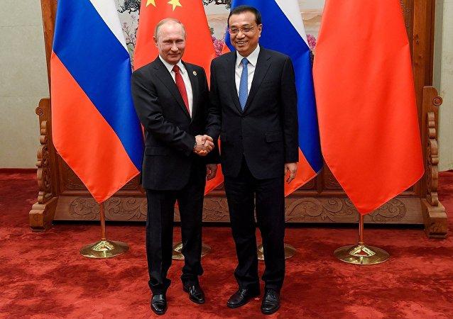 普京呼吁保持俄中经贸关系上升势头
