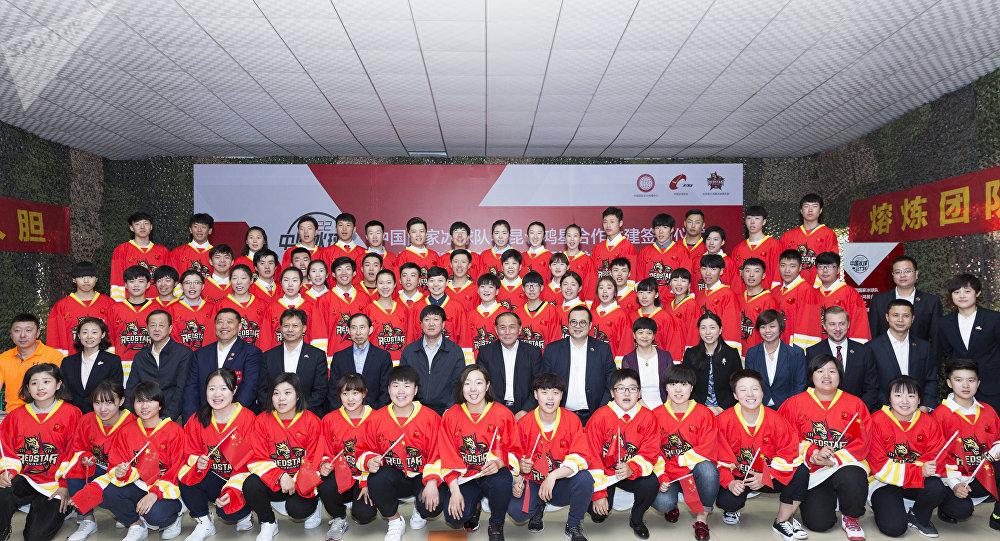 """中国国家冰球俱乐部 - """"昆仑""""队"""
