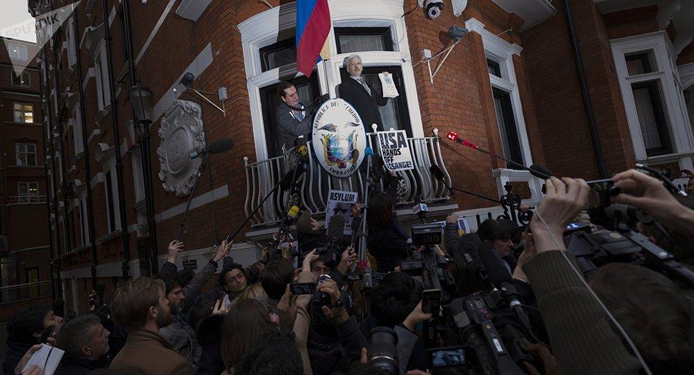 厄瓜多爾總統稱阿桑奇或很快離開厄駐英使館