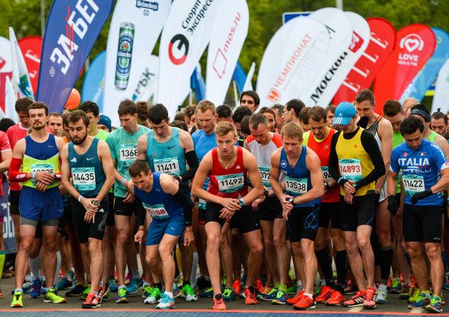 350多人參加俄猶太自治州俄中馬拉松賽