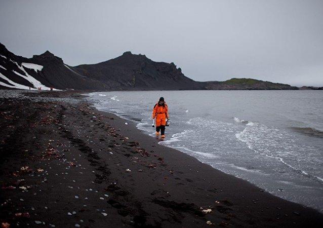 俄羅斯專家呼籲拯救南極洲及南大洋微塑料污染