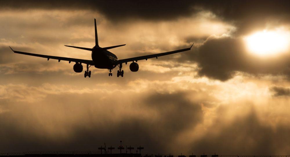 美国一航空公司首个全女性机组完成首飞