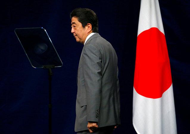 安倍晋三民调支持率下降表明舆论界反对日本军国主义化?