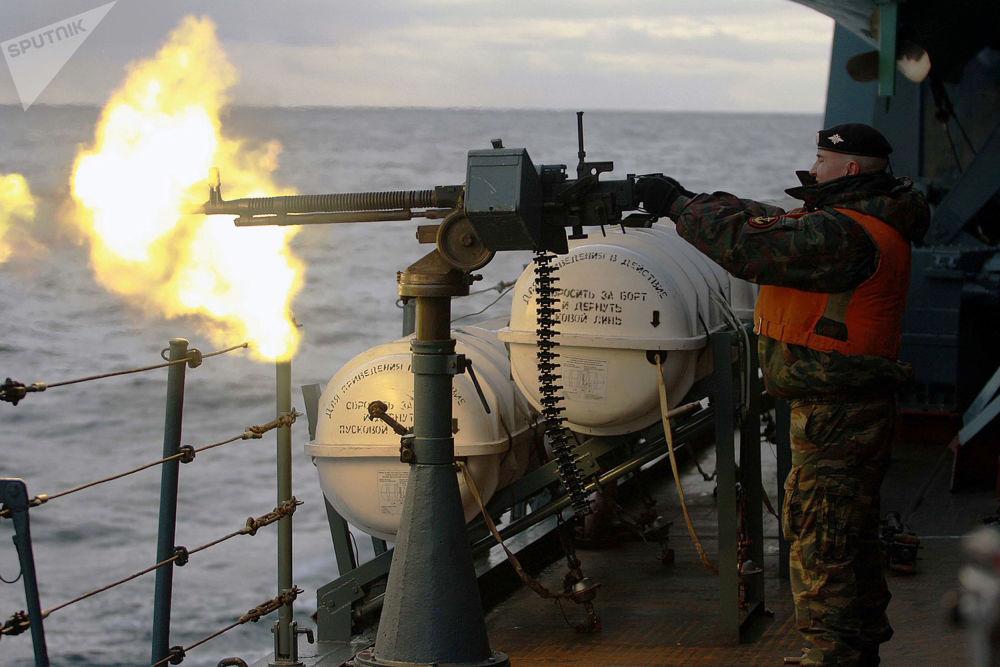 軍演中的「彼得大帝」號重型核動力導彈巡洋艦。