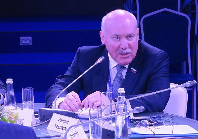 俄罗斯联邦协会成员、俄中友好协会俄方主席德米特里·梅津采夫
