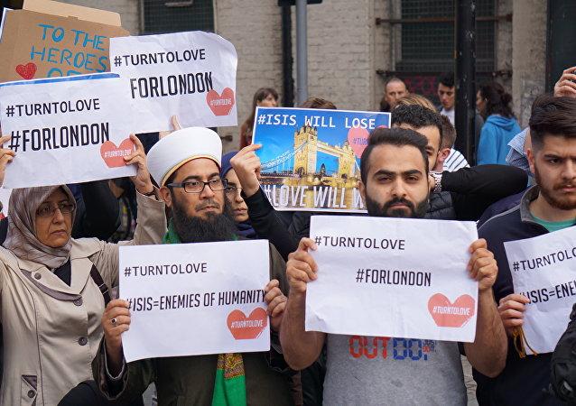 CNN記者組織穆斯林排演並擺拍集會場面被揭穿