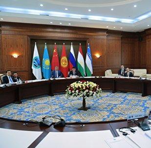 上合组织财政部门将于12月底在北京讨论成立上合开发银行的问题