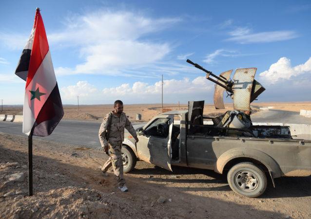 敘利亞盟友總指揮部在其陣地遭到攻擊後威脅美國,將採取報復性打擊