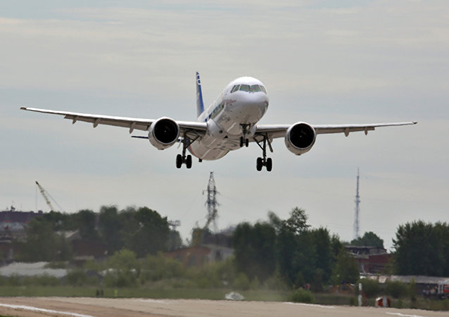 MC-21客機於2017年5月28日在伊爾庫茨克飛機製造廠的機場進行首飛。飛機在1000米上空以300公里/小時的速度飛行