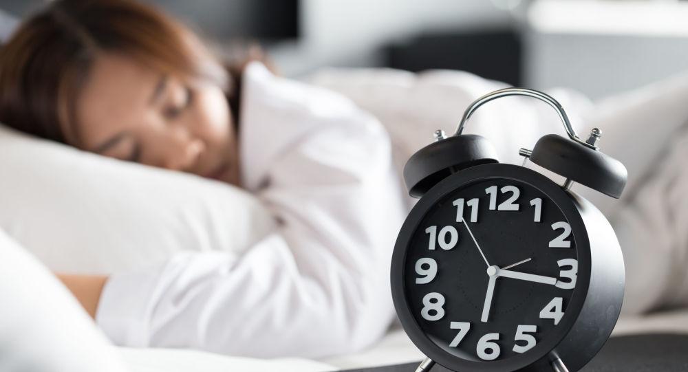 """科学家:心脏工作情况取决于""""睡眠荷尔蒙"""""""