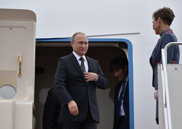普京總統抵達阿斯塔納參加上合峰會