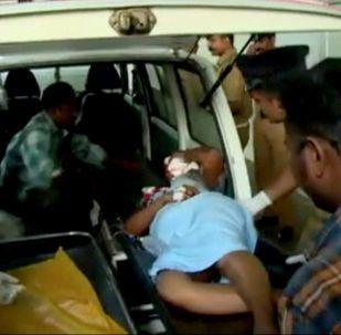 媒体:印度北部一辆巴士撞向公路栏 17名乘客死亡
