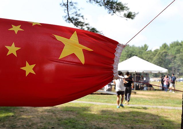 中国海外留学生联合会:是帮助还是思想教育?