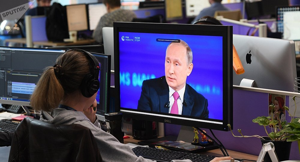 """普京""""直播连线""""收到逾170万个问题"""